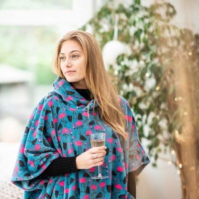 lifestyle-product-photoshoot-poncho-fashion-devon